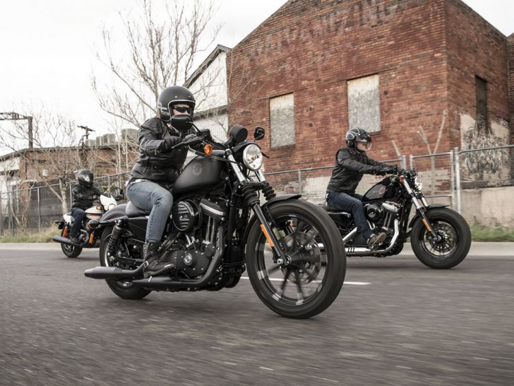 Learn to ride a Harley-Davidson